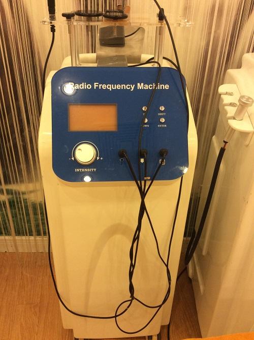 Máy RF tại Viện điều trị nám