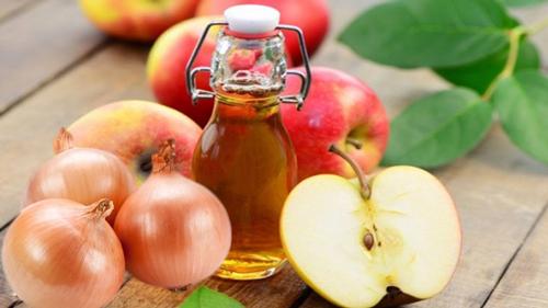 Củ hành tây và giấm táo trị đồi mồi